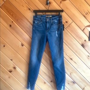 NWT Joe's Jeans Skinny Ankle Distressed 26